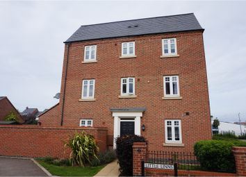 Thumbnail 4 bed town house to rent in Little Linns, Bedford