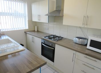 Thumbnail 3 bed flat to rent in Station Road, Portslade, Brighton