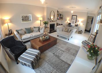 Thumbnail 3 bed duplex for sale in 20 Lees Place, Mayfair
