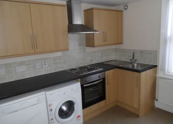Thumbnail 3 bed flat to rent in Replingham Road, Southfield London