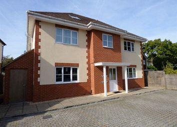 Thumbnail 2 bed flat to rent in Oxford Road, Wokingham, Berkshire