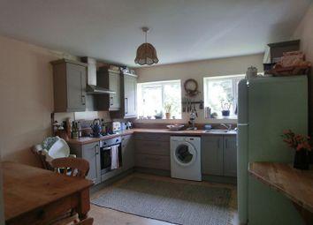 2 bed flat to rent in High Street, Pontardawe, Swansea SA8