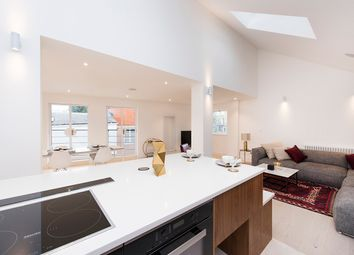Thumbnail 2 bed flat for sale in Flat 5 White Horse Yard, Liverpool Road