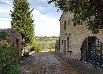 Thumbnail Farm for sale in Via di Pienza, Siena, Tuscany, Italy