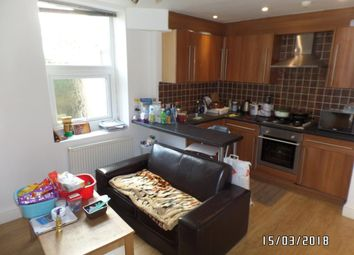 Thumbnail 3 bed flat to rent in Richmond Cresent, Roath Cardiff