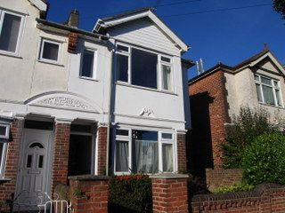 Thumbnail 5 bed detached house to rent in Wilton Avenue, Southampton