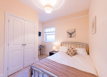 Thumbnail Room to rent in Bath Road, Reading