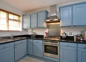 Thumbnail 2 bed property to rent in Queens Road, Wimbledon