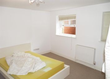Thumbnail 1 bed flat to rent in C 111 Canterbury Road, Kilburn Park, London