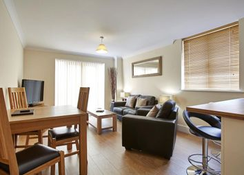 Thumbnail 2 bed flat to rent in Market Street, Bracknell