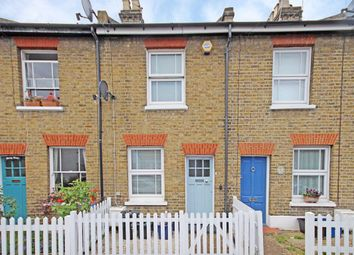 2 bed terraced house to rent in Chestnut Road, Twickenham TW2