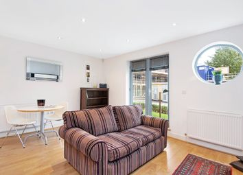 Thumbnail 1 bed flat to rent in St James`S Grove, London
