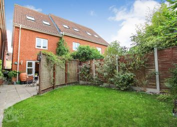 Thumbnail 3 bed town house for sale in Pochard Street, Queens Hill, Costessey