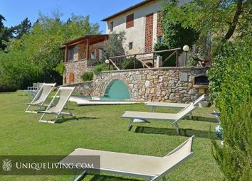 Thumbnail 3 bed villa for sale in Siena, Tuscany, Italy
