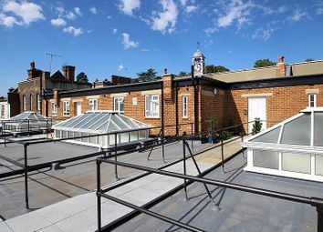 Thumbnail Studio to rent in High Street, Reigate
