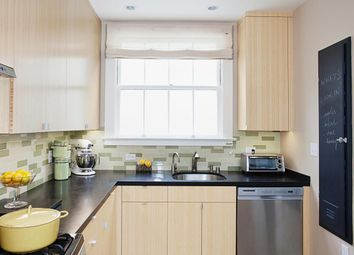 Thumbnail 2 bed flat to rent in Petergate, London