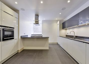 Thumbnail 2 bedroom flat to rent in Palace Gate, South Kensington