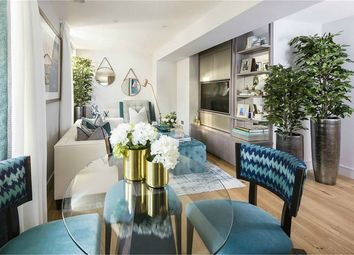 Thumbnail 2 bed flat for sale in Crescent House, Crescent Lane, Clapham