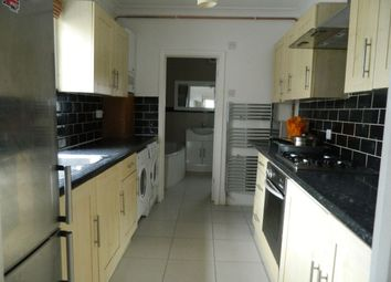 2 bed flat to rent in Nuxley Road, Belvedere DA17