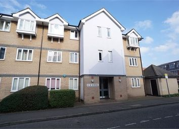Thumbnail 2 bed flat to rent in Victoria Chase, Colchester, Essex.