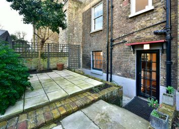 Thumbnail 2 bed flat to rent in St. Pauls Place, London