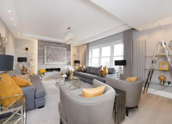 Thumbnail 3 bedroom flat to rent in Lyndhurst Road, Hampstead NW3,