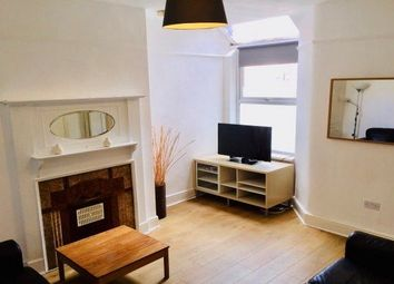 3 bed barn conversion to rent in Dersingham Avenue, London E12
