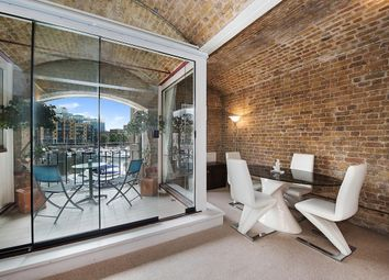 Thumbnail 1 bed flat to rent in Ivory House, East Smithfield, London