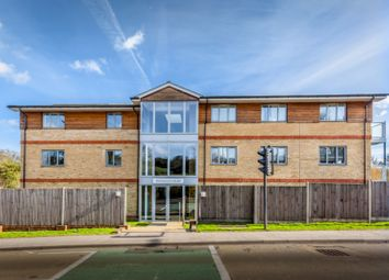 Thumbnail 2 bedroom flat to rent in Brighton Road, Coulsdon