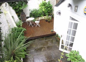 Thumbnail 2 bed flat to rent in Great King Street, New Town