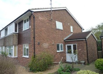 Thumbnail 2 bed flat to rent in Carisbrooke Road, Cambridge