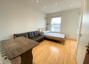 1 bed flat to rent in South Ealing Road, South Ealing, London W5