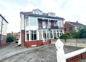 1 bed flat to rent in Cyprus Avenue, Lytham St. Annes, Lancashire FY8