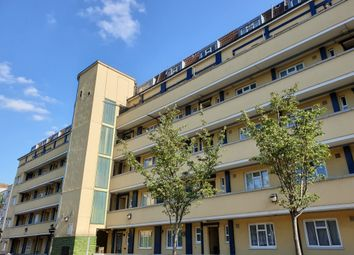 3 bed maisonette to rent in Cornwall Street, Shadwell, London E1