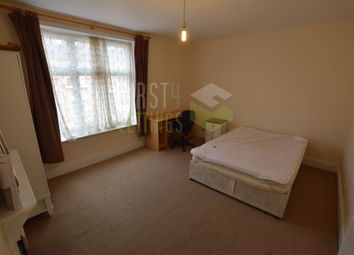 Thumbnail 4 bed terraced house to rent in Lytton Road, Clarendon Park