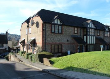 Thumbnail Studio to rent in Cotswold Court, High Wycombe