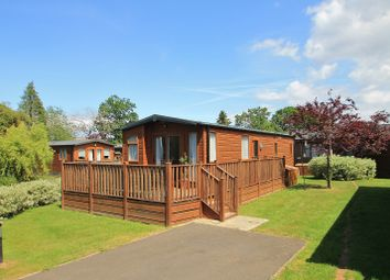 2 bed mobile/park home for sale in Hurtwood Lane, Farley Green, Albury, Guildford GU5