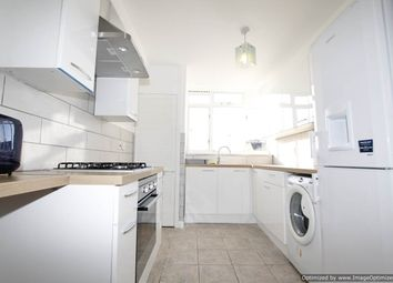 Thumbnail 2 bed flat to rent in Ravensbourne Road, Catford
