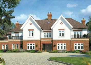 Thumbnail 2 bed flat for sale in Walton On The Hill, Surrey
