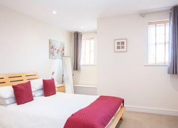 Thumbnail Flat to rent in Heathside Road, Woking