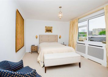 Thumbnail 2 bedroom flat to rent in Sheridan Court, South Hampstead, London