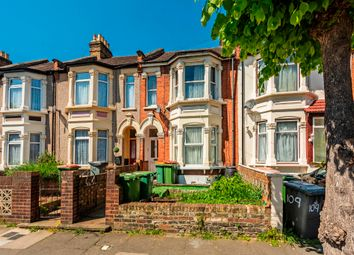 Thumbnail 2 bed flat to rent in Sheringham Avenue, London