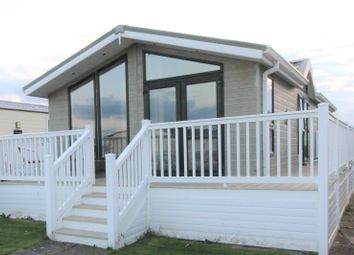 2 bed mobile/park home for sale in Cygnet Park, The Links, Whitley Bay NE26