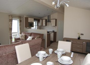 2 bed mobile/park home for sale in New Beach Holiday Park, Dymchurch, Kent TN29