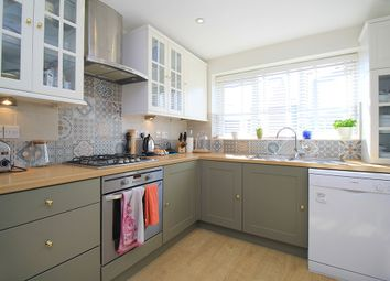 3 bed property to rent in Armitage Drive, Rothley LE7