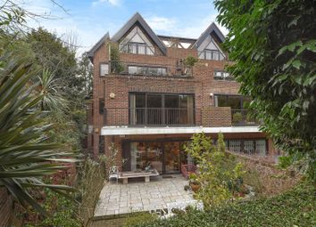 Thumbnail 4 bed flat for sale in Bracknell Gardens, Hampstead