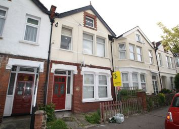 Thumbnail 1 bed flat to rent in Brightwell Avenue, Westcliff-On-Sea