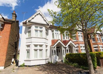 Thumbnail 3 bed flat to rent in Craven Avenue, London