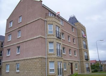 Thumbnail 2 bedroom flat to rent in Inverewe Place, Dunfermline