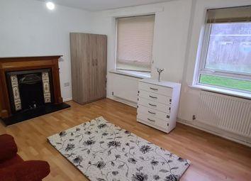 Thumbnail 3 bed maisonette for sale in High Road N11,